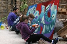 Street Art Extravaganza: Meet a street artist and experience a 1-hour tour around London's East End. Then it's time to try out spray painting yourselves (legally of course!), creating your own family masterpiece.
