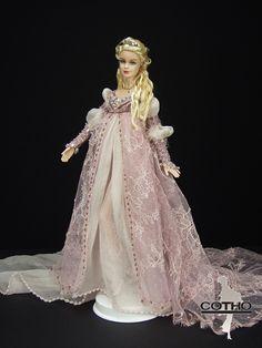 Aurore La Belle au bois dormant/The sleeping beauty. OOAK doll Creations COTHO