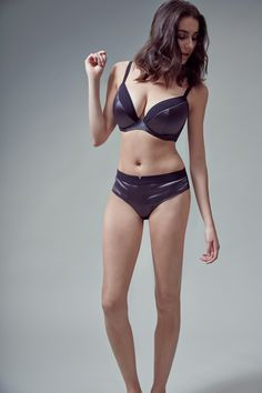 Burnt Bridges by Beija Flor is sassy and sporty. Contrasting luxe slate coloured Italian satin with black French matte tricot, this range is for futuristic and fancy women everywhere. The plunge bra shape for the fuller bust intends to separate and lift the cleavage for an impactful look. The top cup uses French matte tricot while the lower cup contrasts with a satin sheen. Wings are strong and supportive made using a high performance power mesh.