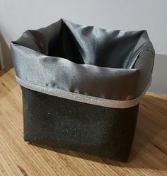Panier de rangement reversible 14x14 simili cuir et satin