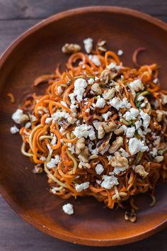 Roasted Spiralized Carrot, Feta and Toasted Walnut Salad Alyssa & Carla Vegetarian Recipes, Cooking Recipes, Healthy Recipes, Carrot Recipes, Walnut Recipes, Easter Recipes, Healthy Meals, Easy Meals, Balsamic Carrots