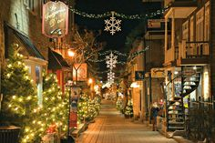 Quartier Petit-Champlain // Petit-Champlain District #quebecregion #OldQuebec #VieuxQuebec #PetitChamplain #Christmas #Noel