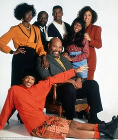 The youngest cast member: Ali got her start on the TV series Star Search and in 1990 was cast opposite Will Smith on the sitcom The Fresh Prince Of Bel-Air Tatyana Ali, Will Smith, Prinz Von Bel Air, Karyn Parsons, Ashley Banks, Black Sitcoms, Afro, Black Tv, Fresh Prince