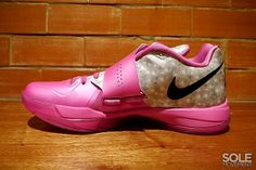 "Nike Zoom KD IV ""Aunt Pearl/Think Pink"""