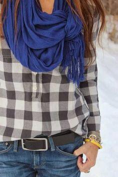 Стильный образ 2016 рубашка в клетку, джинсы и шарф в тон, украшения