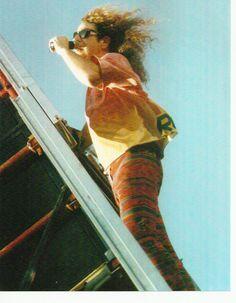 From the impromptu Van Halen concert in Dallas' West End in 1991.  Sammy Hagar climbs the scaffold while singing 'Panama'. #sammyhagar #vanhalen #dallas