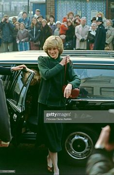 Princess Diana Fashion, Princess Diana Family, Princess Of Wales, Lady Diana, 10th Doctor, Diana Spencer, Random Pictures, Queen Of Hearts, Royal Families