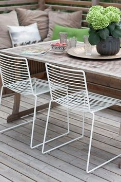 Outdoor living- outdoor space- outdoor seating IKEA #MetalChair