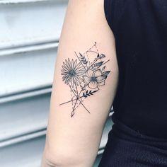 Geometric bouquet for this awesome ladie from Switzerland, Pamela! Merci! #geometricbouquet #flowers #flowerstattoo #flowertattoo #geometrictattoo #tattooartistmagazine #blxckink #inkedmag #darkartists #blacktattooart #tattoodo #radtattoos #equilattera #tattoolife #tattoo2me #btattooing #skinartmag #inkjunkeyz #thebesttattooartists #tattooistartmagazine #TAOT #brooklyn #williamsburg #bushwick #nyctattoo #brooklyntattoo #lineworktattoo
