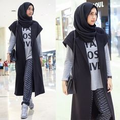 Style Hijab Simple Remaja 69 Ideas For 2019 Hijab Casual, Hijab Chic, Fashion 2020, New Fashion, Trendy Fashion, Trendy Style, Fashion Styles, Style Fashion, Winter Mode Outfits