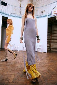 Acne Studios Pre-Fall 2016 Fashion Show