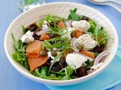 Salade met gerookte zalm en geitenkaas recept - Salade - Eten Gerechten - Recepten Vandaag