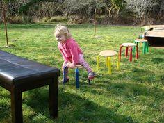 The Ovard Family 跳び箱は身近なイスを使って。