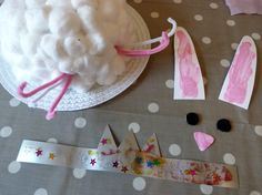 How to make an Easter bunny bonnet https://kizzyandizzy.wordpress.com/2015/03/22/easter-crafts-bunny-bonnet/
