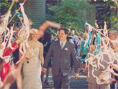 """新しいフラワーシャワーの形!魔法の杖みたいな""""リボンワンズ""""が可愛すぎ♡にて紹介している画像"""
