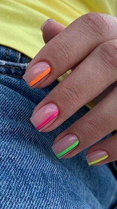 Neon is the trend of the year, but wearing it is not as easy as it seems. If you love it, but you think it might be too much, why not embrace it on your nails? // neon Neon Nails: 8 Ways To Embrace The Trend While Keeping It Simple 💅🏼 Summer Acrylic Nails, Best Acrylic Nails, Stylish Nails, Trendy Nails, Uñas Color Neon, Neon Nail Designs, Nails Design, Fire Nails, Neon Nails