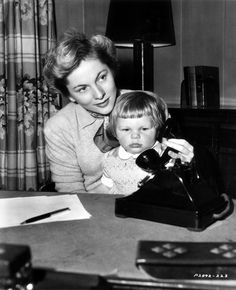 Joan Fontaine with daughter Deborah