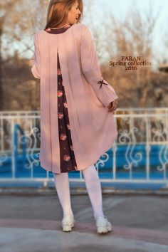 Faran / 2016 collection Dress / bag Batik Fashion, Abaya Fashion, Fashion Sewing, Modest Fashion, Skirt Fashion, Fashion Dresses, Casual Dresses, Dresses For Work, Fancy Tops