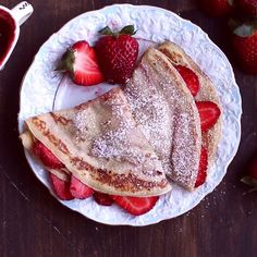 Crepes Crepes aren't as difficult as you think! Enjoy this delicious dish with fresh strawberries for breakfast or as a sweet snack. aren't as difficult as you think! Enjoy this delicious dish with fresh strawberries for breakfast or as a sweet snack. Strawberry Crepes, Strawberry Breakfast, Strawberry Picking, Breakfast Recipes, Dessert Recipes, Pancake Recipes, Brunch Recipes, Food For Breakfast, Romantic Breakfast