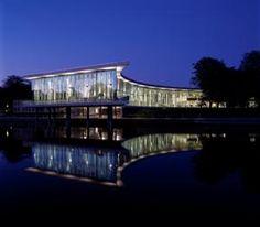 Halmstad bibliotek, municipal library Halmstad, Sweden, la bibliothéque municipal de Halmstad, la Suède
