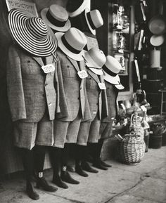 Photograph by Herbert List Athens Greece ca. History Of Photography, Modern Photography, Vintage Photography, Black And White Photography, Street Photography, People Photography, Herbert List, Harlem Renaissance, Classic Photographers