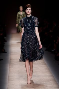 click the link to see everything on the runway from valentino for spring 2013.  it is all so sweet, lovely and wearable.  beautiful.