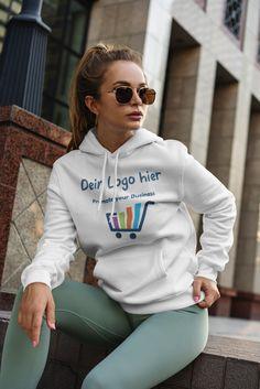 Frauen Hoodie auf Lager. Mit Aufdruck deines Logos. Kapuzenpullover mit leicht verlängertem Schnitt für Frauen. 80% Baumwolle, 20% Polyester. Marke: AWDis Graphic Sweatshirt, Sweatshirts, Sweaters, Fashion, Womens Hoodie, Hoodie, Cotton, Moda, Fashion Styles