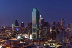 Poster & Download: Dallas Skyline Stadtbild Dämmerung Texas Twilight Sonnenuntergang Kategorien: landschaften, dallas, skyline, cityscape, dusk, texas, twilight, sunset, night, usa, skyscraper, urban, architecture, lights, landscape, metropolitan, buildings