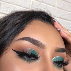 Charlotte tilbury, luxury makeup, sephora, huda be Makeup On Fleek, Cute Makeup, Glam Makeup, Gorgeous Makeup, Pretty Makeup, Skin Makeup, Makeup Inspo, Eyeshadow Makeup, Makeup Inspiration