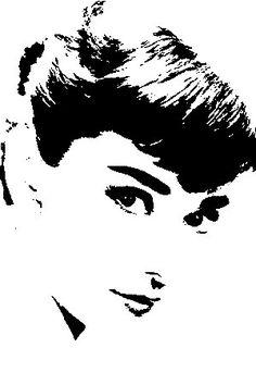 Audrey Hepburn version 3 vinyl wall art decal by Pasargad on Etsy Audrey Hepburn Kunst, Audrey Hepburn Photos, Marilyn Monroe Stencil, 3d Templates, Deco Studio, Stencil Art, Stenciling, Silhouette Art, Vinyl Wall Art