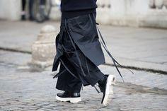 Best Japanese-Avant-Garde-Influenced Look at London Men's Fashion Week — Men's Street Style
