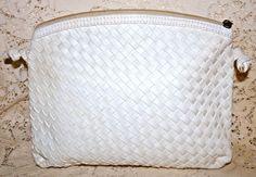 Vintage Shoulder Bag Soft Woven/Weave Style White Color #Unmarked #ShoulderBag