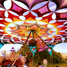 This is incredible! I don't think this is at all possible but it is amazing-Festival decor