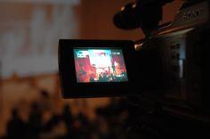 Beginning : présentation l'oeuvre More Sensitive de Carole Brandon et Franck Soudan / conférence i-média (Marc Veyrat) / oeuvre interactive réalisée à partir de la pièce de théâtre Sensitiv Room de la Cie In-Time. avec Sophie Mollard et Martine Calame (technique, logistique et organisation de cette conférence et de l'oeuvre Feel Sensitive sur DVD issue de la conférence). 2007