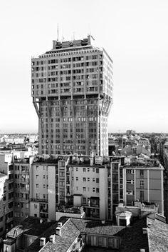 Torre Velasca, Milano - by Ernesto Rogers / BBPR