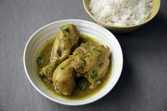 Patla Murgir Jhol (chicken curry), cooked the Bengali way: a lightweight, flavoursome dish steeped in gentle spices that heals saves time, heals the belly and nourishes the soul.