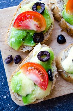 Simple Avocado Bruschetta is one of the easiest and healthiest snacks. These tasty snacks are ready just in 5 minutes.| giverecipe.com | #avocado