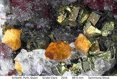 Scheelit, Pyrit, Quarz :  Clara Mine,Rankach valley, Oberwolfach, Wolfach, Black Forest, Baden-Würtemberg, Germany Copyright © H. Stoya