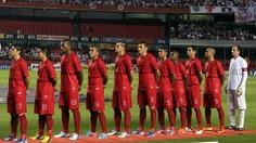 São Paulo comemora sucesso de camisa vermelha e diz que 1º lote está esgotado - Futebol - UOL Esporte