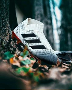 Cool Football Boots, Football Shoes, Football Cleats, Adidas Soccer Boots, Adidas Football, Ronaldo Football, Nike Soccer, American Football, Messi Soccer Cleats