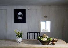 Le bois et l'art font bon ménage dans cette maison intimiste