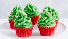 Fluffy vanilla cake topped with beautiful buttercream frosting and made to look like a Christmas tree! These mini cupcakes are great for getting into the festive spirit this holiday season. Christmas Tree Cupcakes, Mini Christmas Tree, Christmas Desserts, Piping Icing, Buttercream Frosting, Cupcake Recipes, Baking Recipes, Mini Muffin Pan, Green Food Coloring