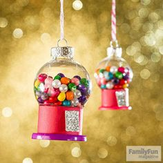 Get crafty with your kiddos this weekend with these creative holiday crafts from @FamilyFunmag #2 and #15 are adorable!