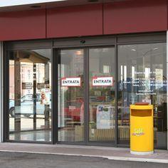 Porta automatica realizzata da Aprisystem srl con la collaborazione di RSA, per l'ingresso del punto vendita del SELF di Savigliano Lockers, Locker Storage, Divider, Selfie, Room, Furniture, Home Decor, Gates, Bedroom