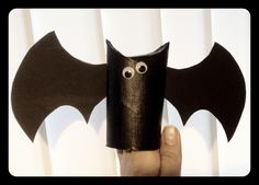 Halloween flagermus af toiletrulle