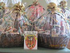 A  personal touch will make a difference for a unique gift.  Maple Bluff Farm will customize a basket or sap pails with great products. Come and visit us at 398 Williamsport Rd, Huntsville or 705.787.1536! Will be also at the Huntsville Public School X Mas Show Dec 7, 2013!!!!