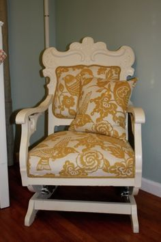 i want a vintage rocking chair!!