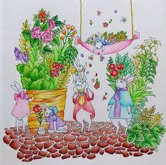Instagram media earlgrey64 - 実は新しい塗り絵ブックを手にいれてたのです。また買っちゃったー(笑) #おとなのぬりえ #森の生き物と素敵なおうちの暮らしぬりえブック