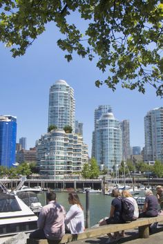 Most Vancouver Families Choose Place Over Space Victoria Canada, Vancouver Real Estate, North Vancouver, Most Beautiful Cities, You're Beautiful, Best Places To Travel, Places To Go, Immigration Canada, Canada Eh