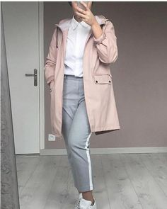 pink jacket with dressy pants-Latest outerwear for women – Just Trendy Girls Hijab Casual, Hijab Chic, Outfit Jeans, Hijab Jeans, Floral Dress Outfits, Dressy Outfits, Jean Outfits, Muslim Fashion, Hijab Fashion